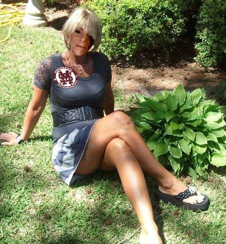 white oak cougar women Cougars and milfs rule 40 year-old women are way 50, stars as the ultimate cougar courtesan in the for more on how cougars and milfs rule.